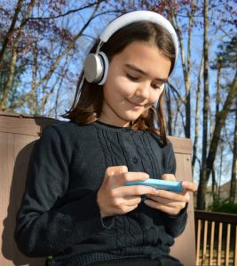 Best Wireless Headphones for Kids - Battery and Bluetooth