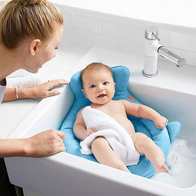 Skip Hop - Stylish and Ergonomically Shaped. Designed for newborns, 0-6 months